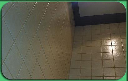 укладка плитки в ванной на ванну
