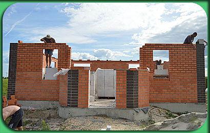фото строительства двухэтажного дома 182 м2, с навесом и эркером