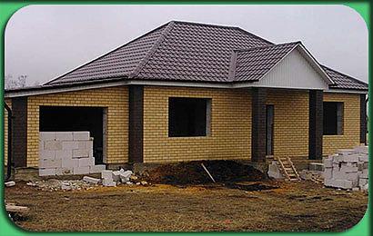 фото строительства одноэтажного дома 122 м2 с гаражом